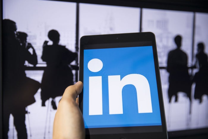 "How the ""LinkedIn on Steroids"" Sales Navigator App Could Send Your Sales Through the Roof"