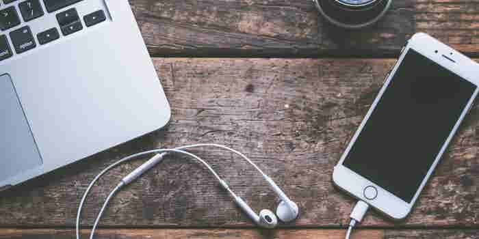 Hear & Grow: 8 Podcasts That Will Make You A Better Entrepreneur