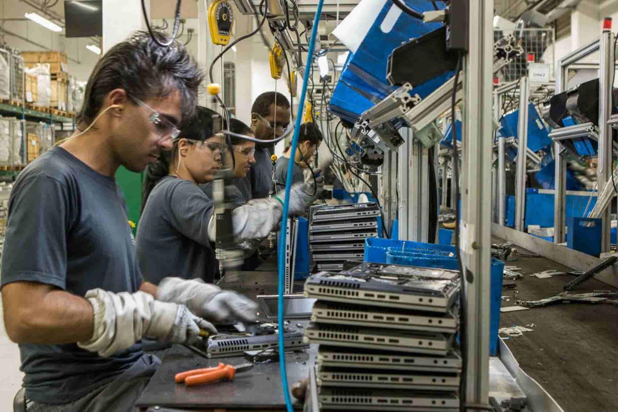 Estos brasileños y mexicanos encontraron la fórmula ganar dinero salvando al mundo