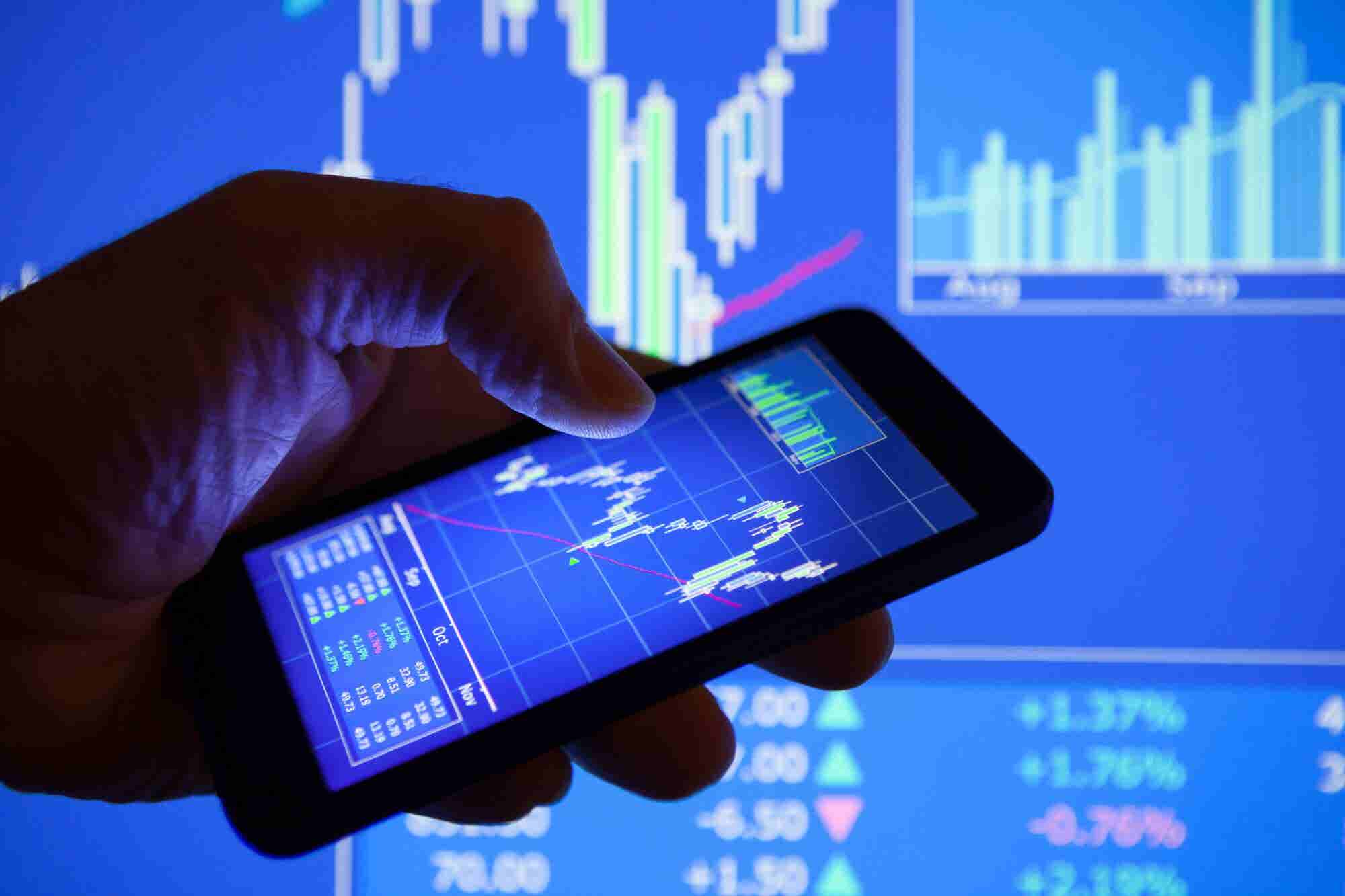 Tech Shares Buoy the Entrepreneur Index? Again Despite Signs of Slowing Economic Growth