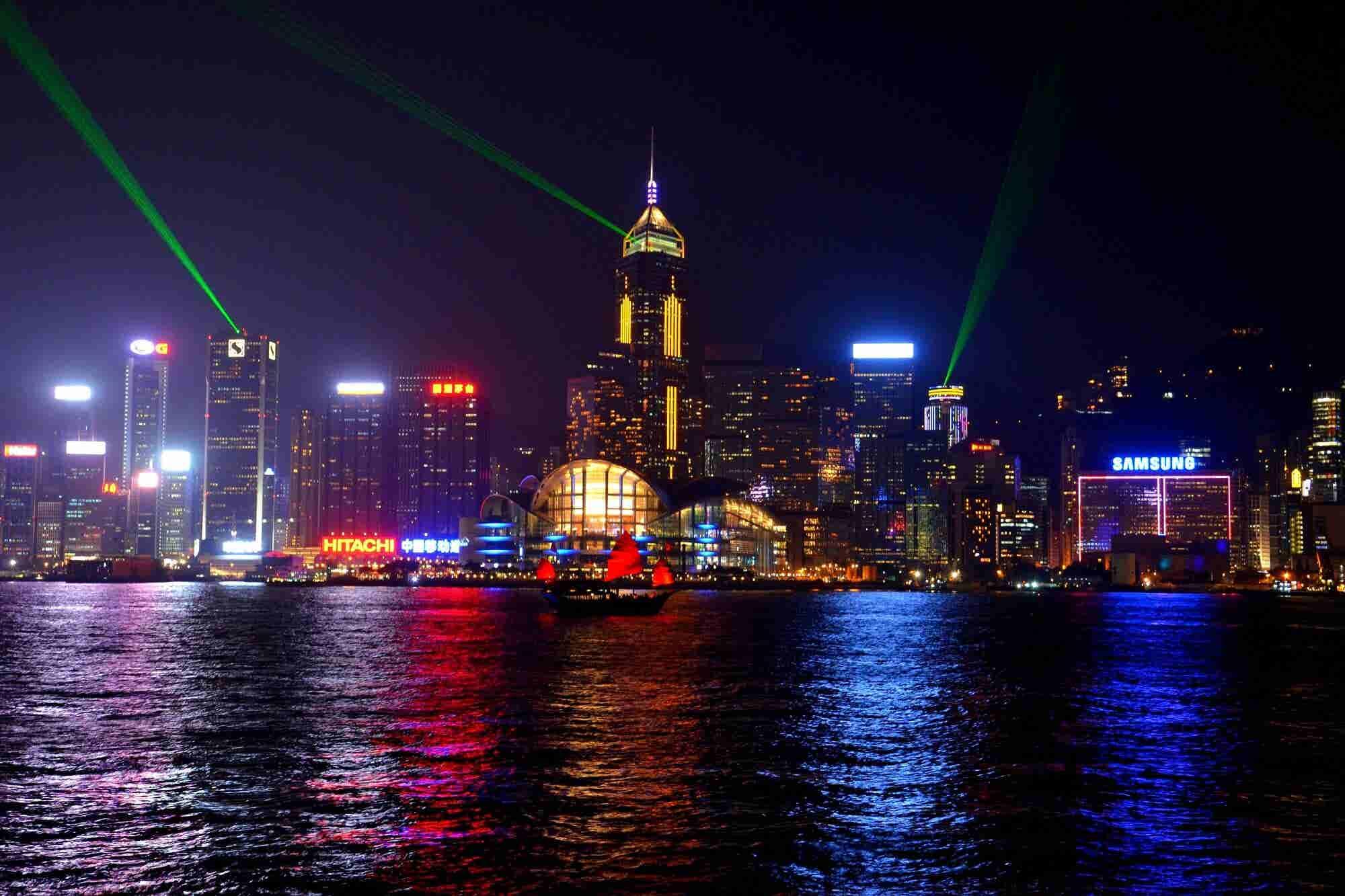 Will Traditional Banks Survive Hong Kong's Digital Banking Move?