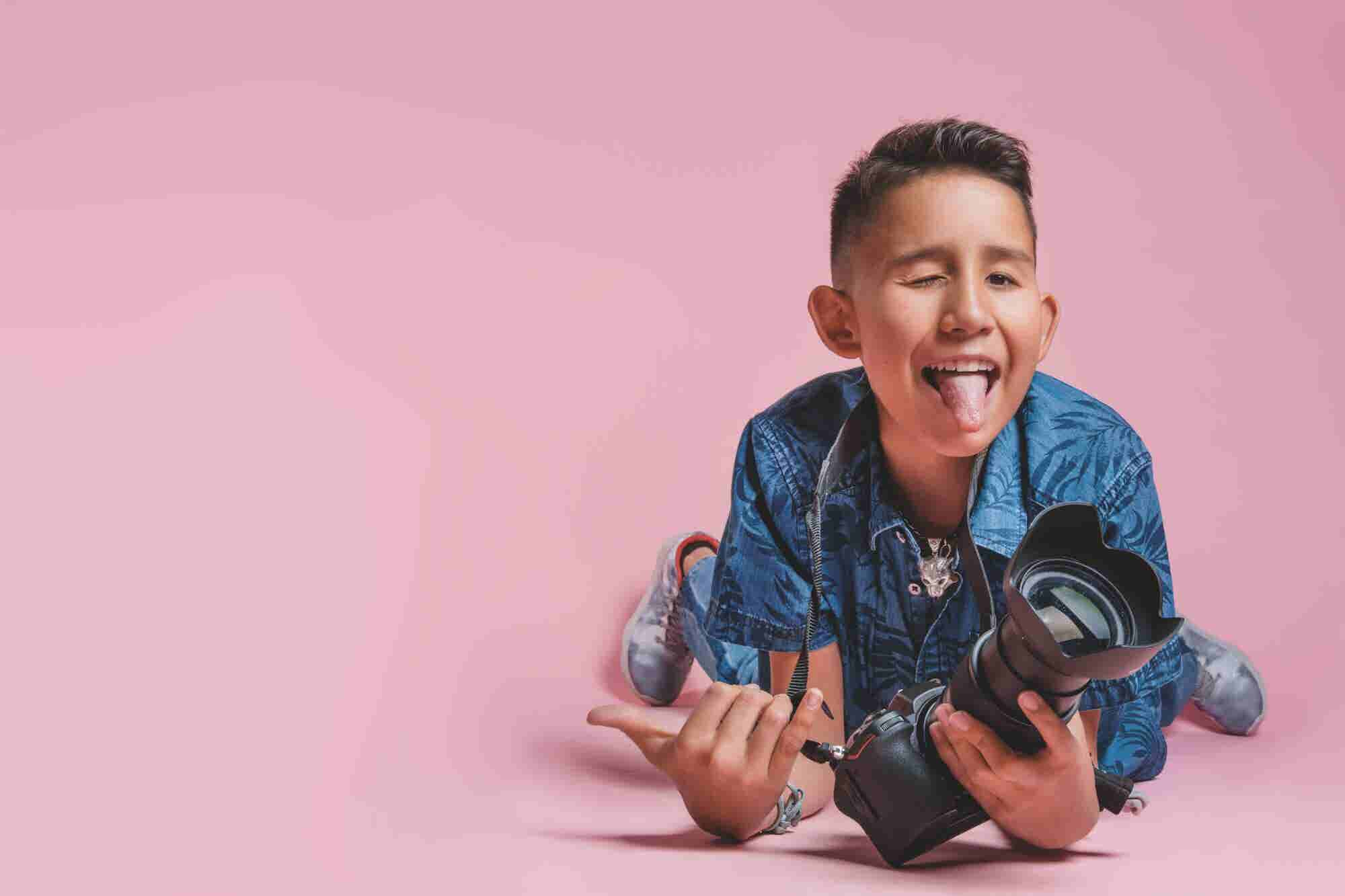 Este fotógrafo tiene 13 años, pero ya ha dado conferencias motivacionales en Universum