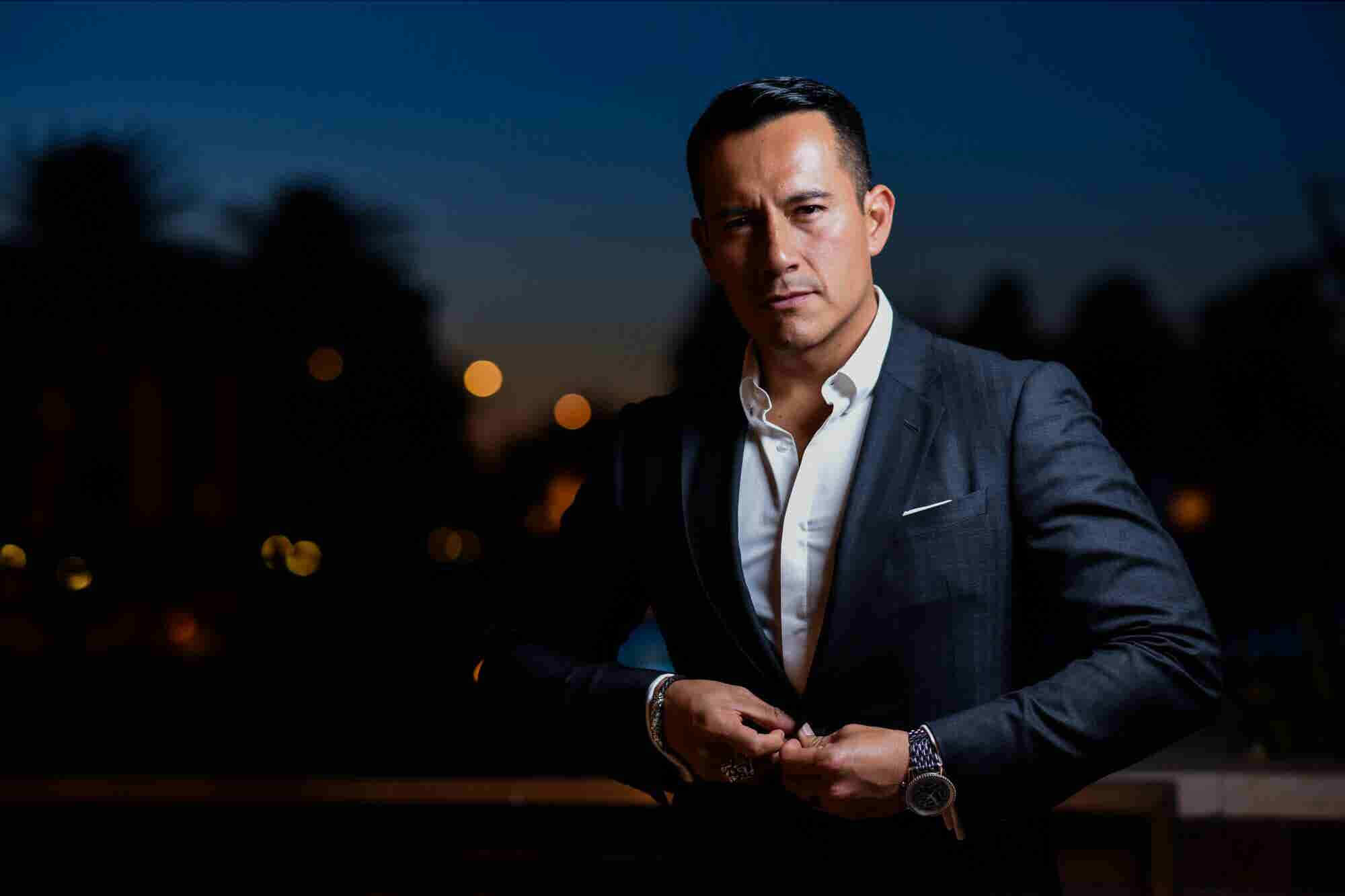 Raul Villacis' Journey From Midlife Crisis to Millionaire Mentor
