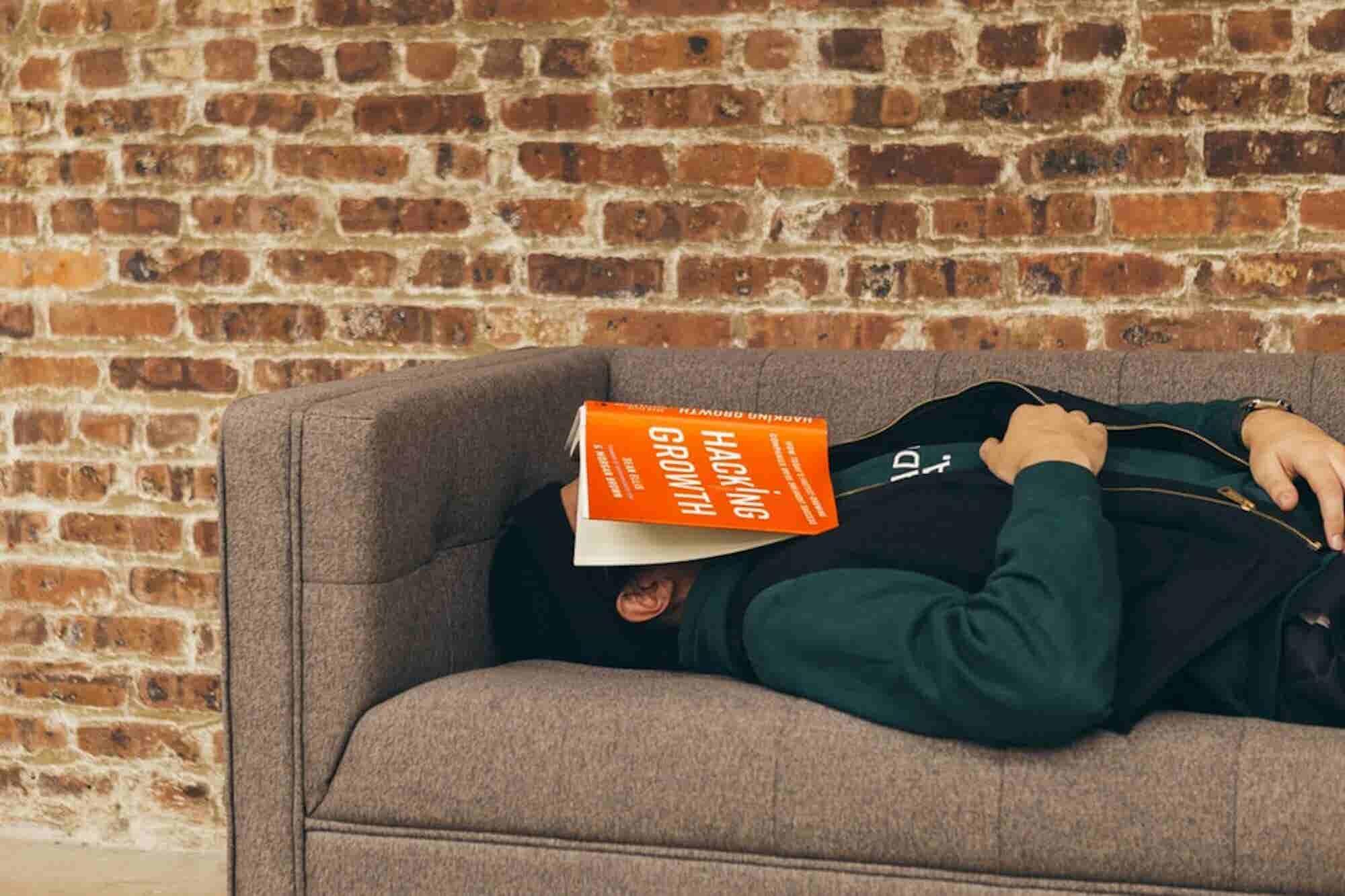 10 Sleep Hacks to Ensure Eight Glorious Hours of Shut-Eye