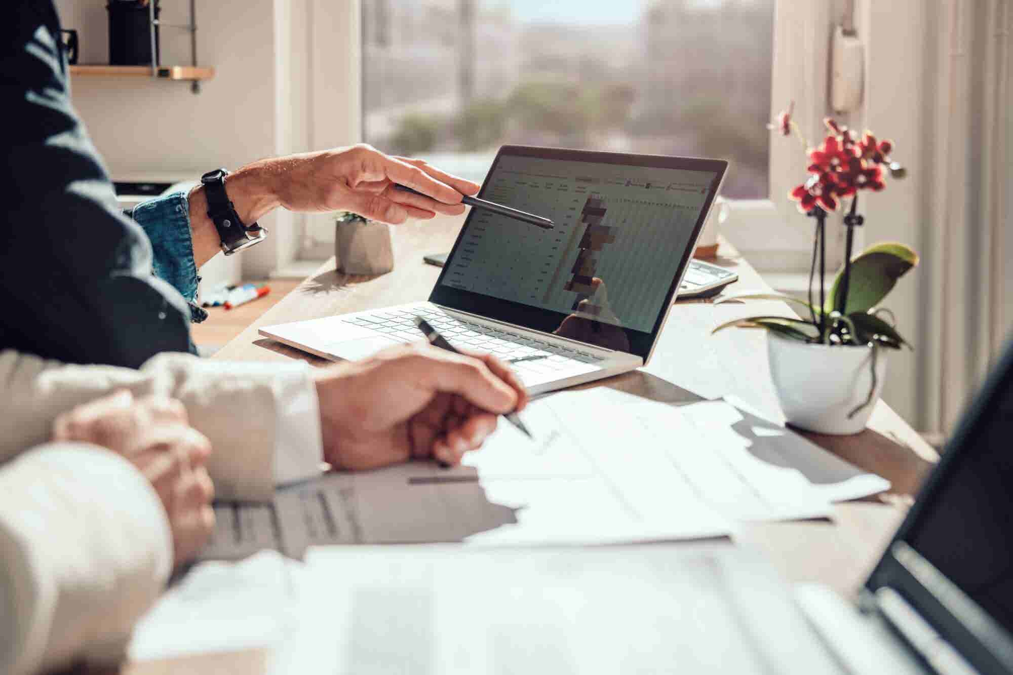 The Pros and Cons of Project Management Software