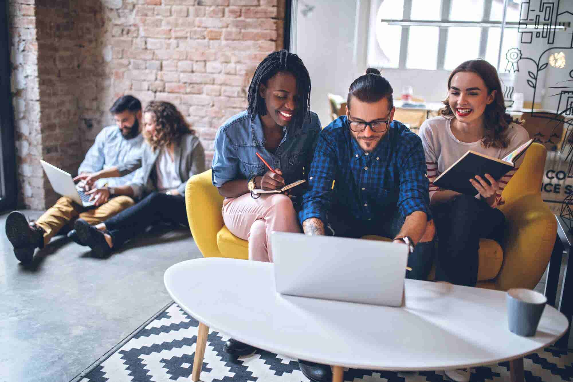 Here's What Your Company Can Do to Appeal to the HENRY Millennial