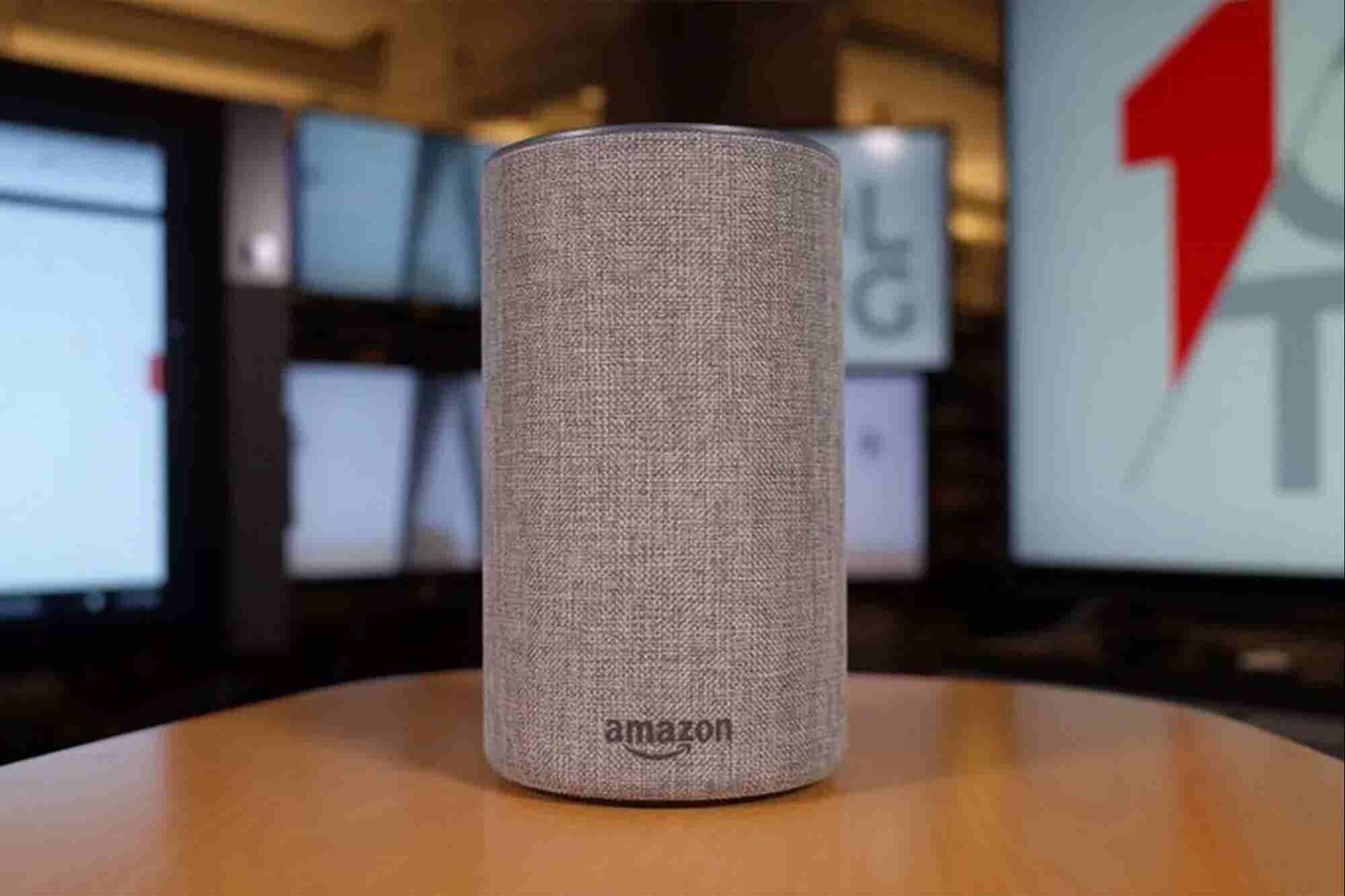 Amazon le paga a miles de personas para escuchar grabaciones de voz de Alexa