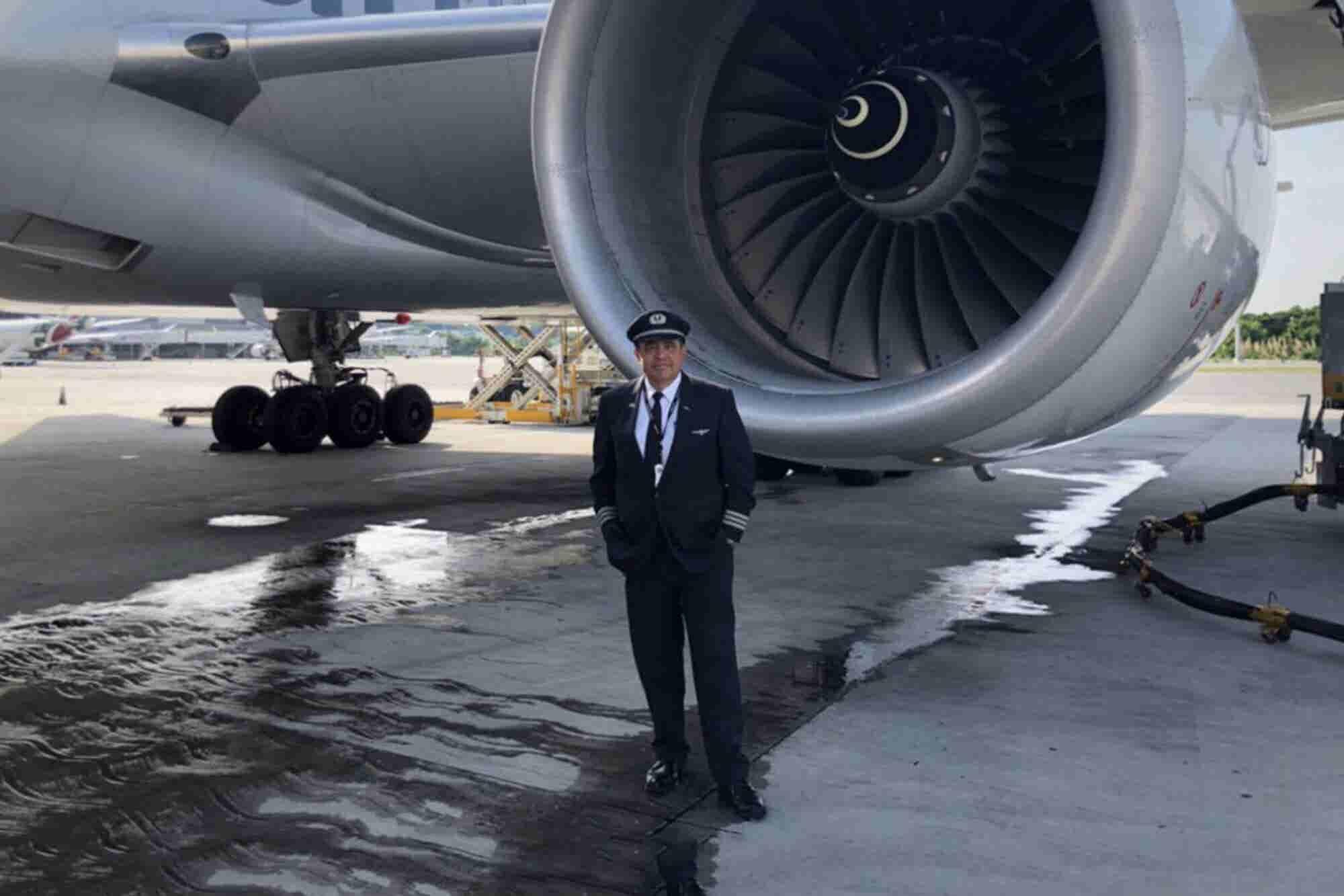El niño que soñaba con ser piloto desde una azotea en Tacuba y hoy vuela en AA