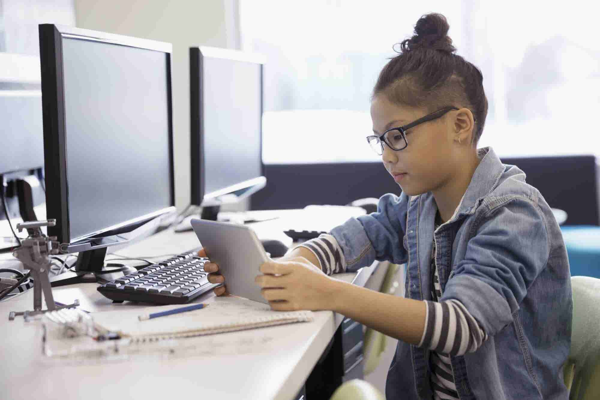 There's a Massive Gender Gap in AI, but Tech Education Programs for Young Girls Aim to Close It