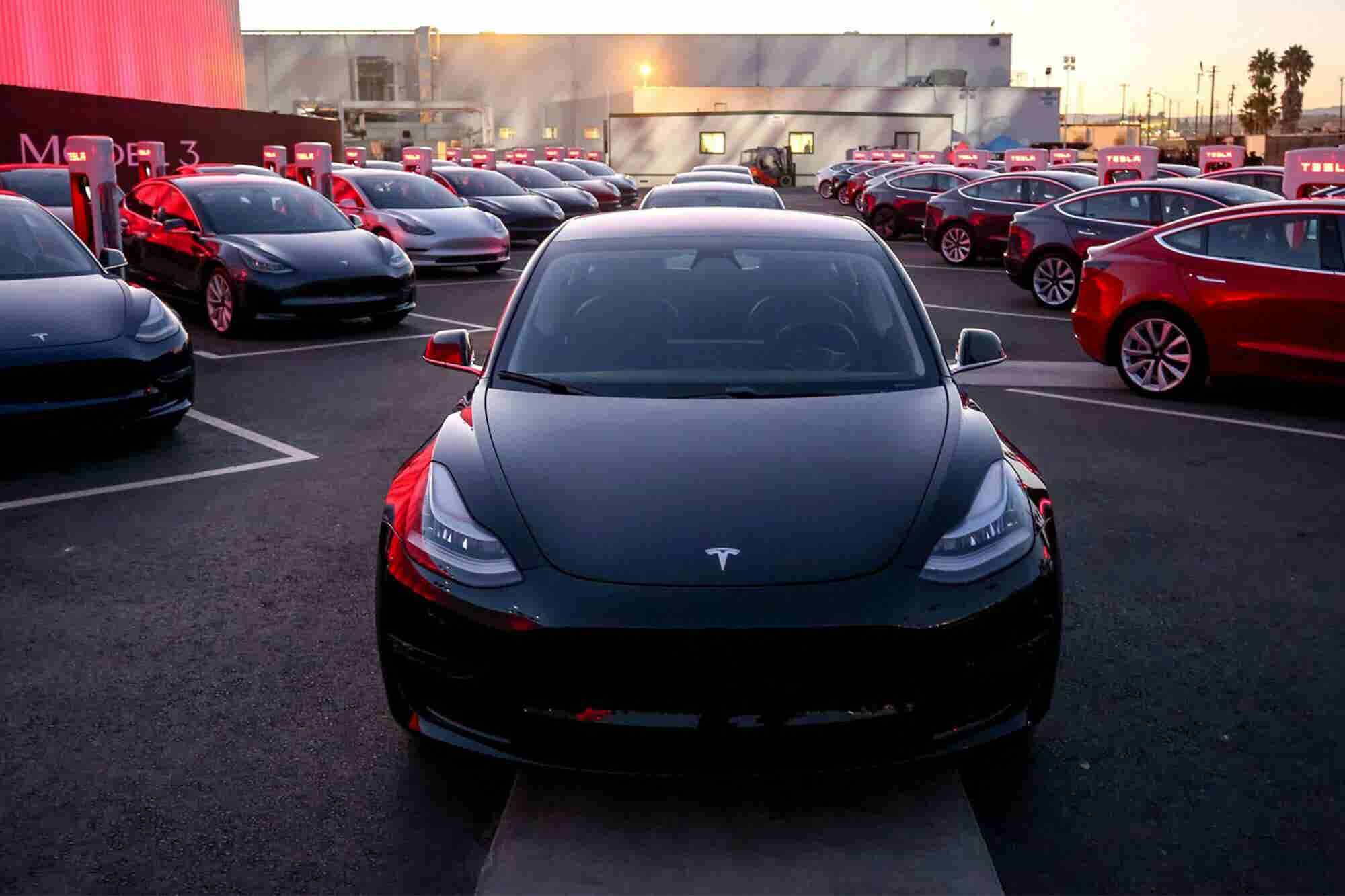 Tesla to Offer Its Own 'More Compelling' Insurance Product