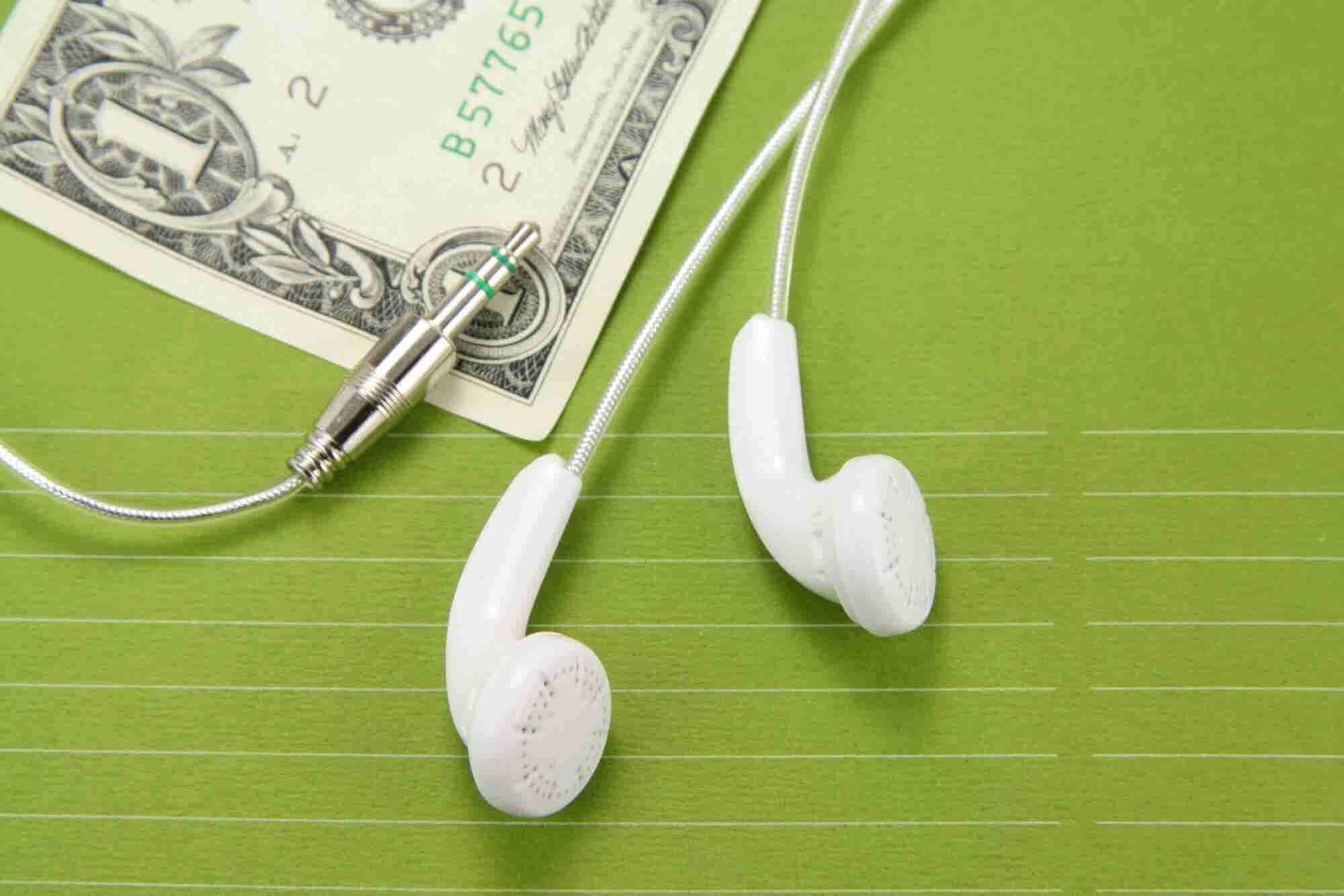 This Entrepreneur Built a Business That Pays You to Listen to Podcasts. Here Are His 4 Tips for a Successful Business Idea.