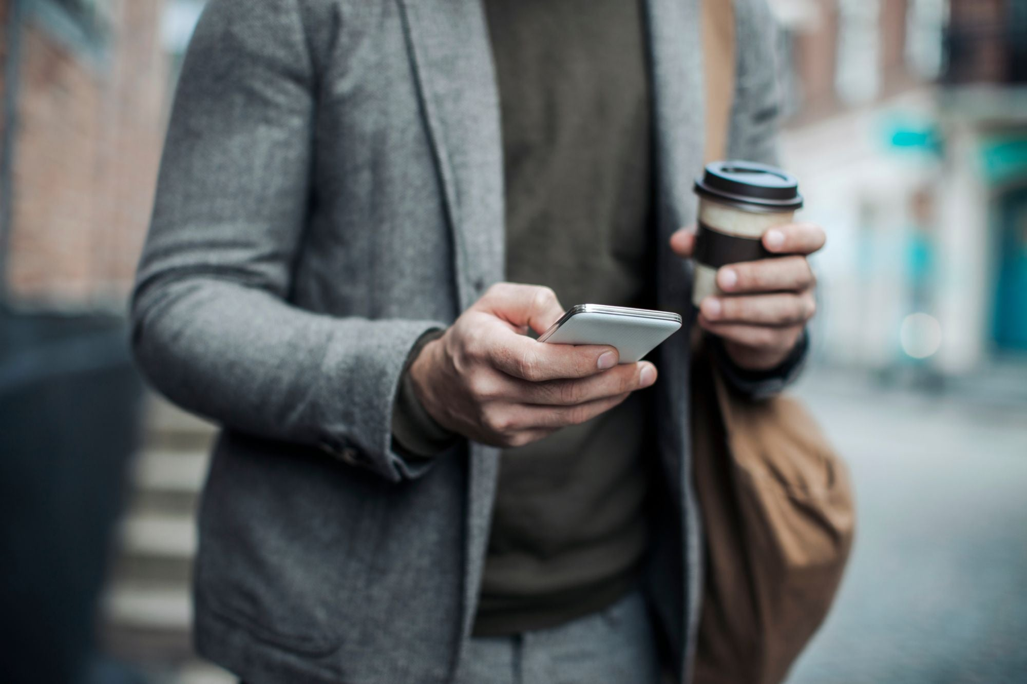 How to Use Business Text Messaging to Reduce Customer Acquisition Costs