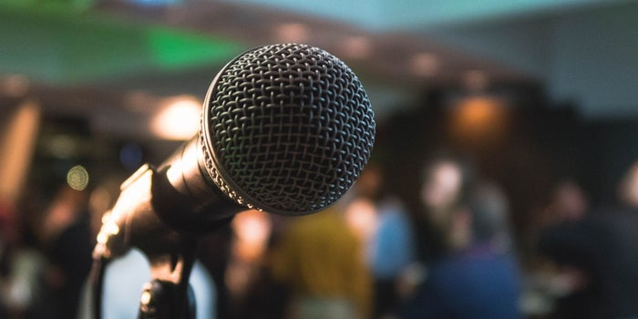 Learn to Overcome the Fear of Public Speaking