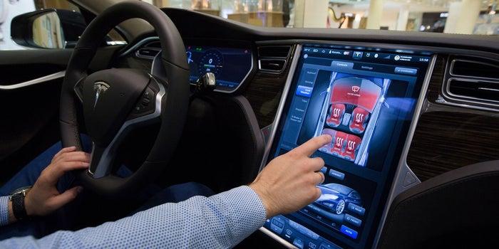 YouTube, Netflix and 'Fallout Shelter' Heading to Tesla