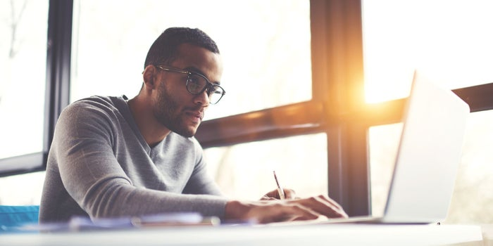 More Than A Side Hustle: When Should Entrepreneurs Quit Their Day Jobs