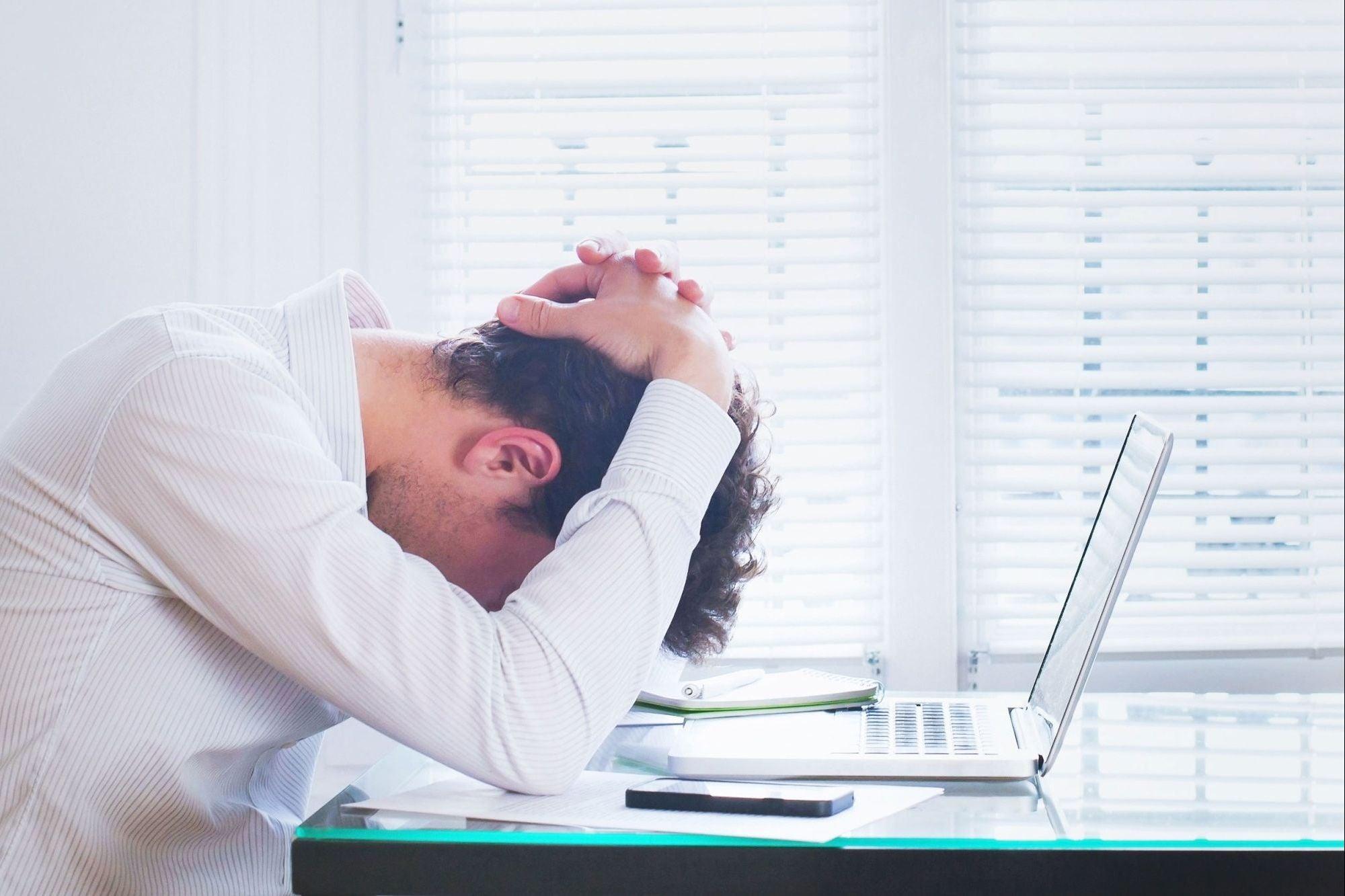 Estás viviendo el síndrome del burnout? Haz estas 3 preguntas para volverte  a enamorar de tu negocio