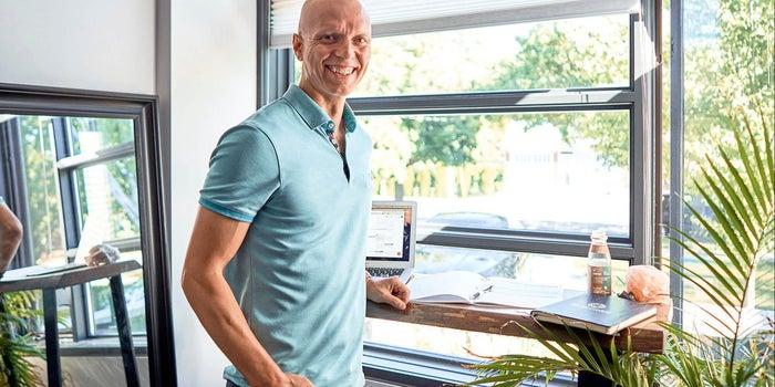 How 'Healthpreneur' Yuri Elkaim Went From Making $80 a Week to Building Million-Dollar Businesses