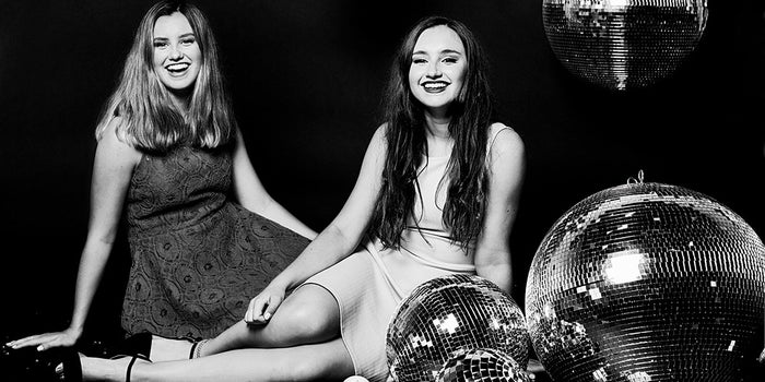 How These Teen Sisters Make $20 Million a Year on Bath Bombs