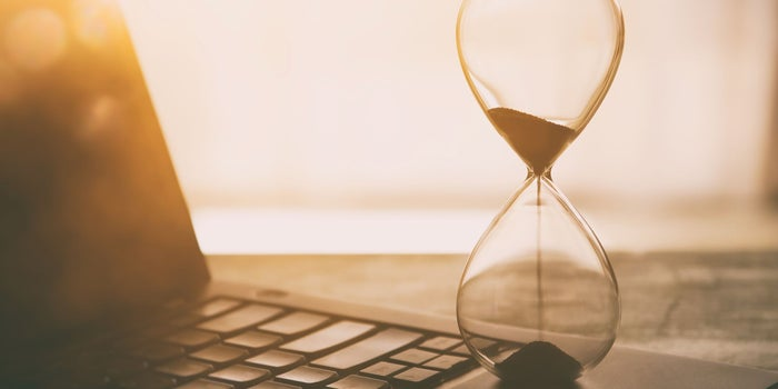 Why Does Novelist Jeffrey Archer Use an Hourglass When He Writes?