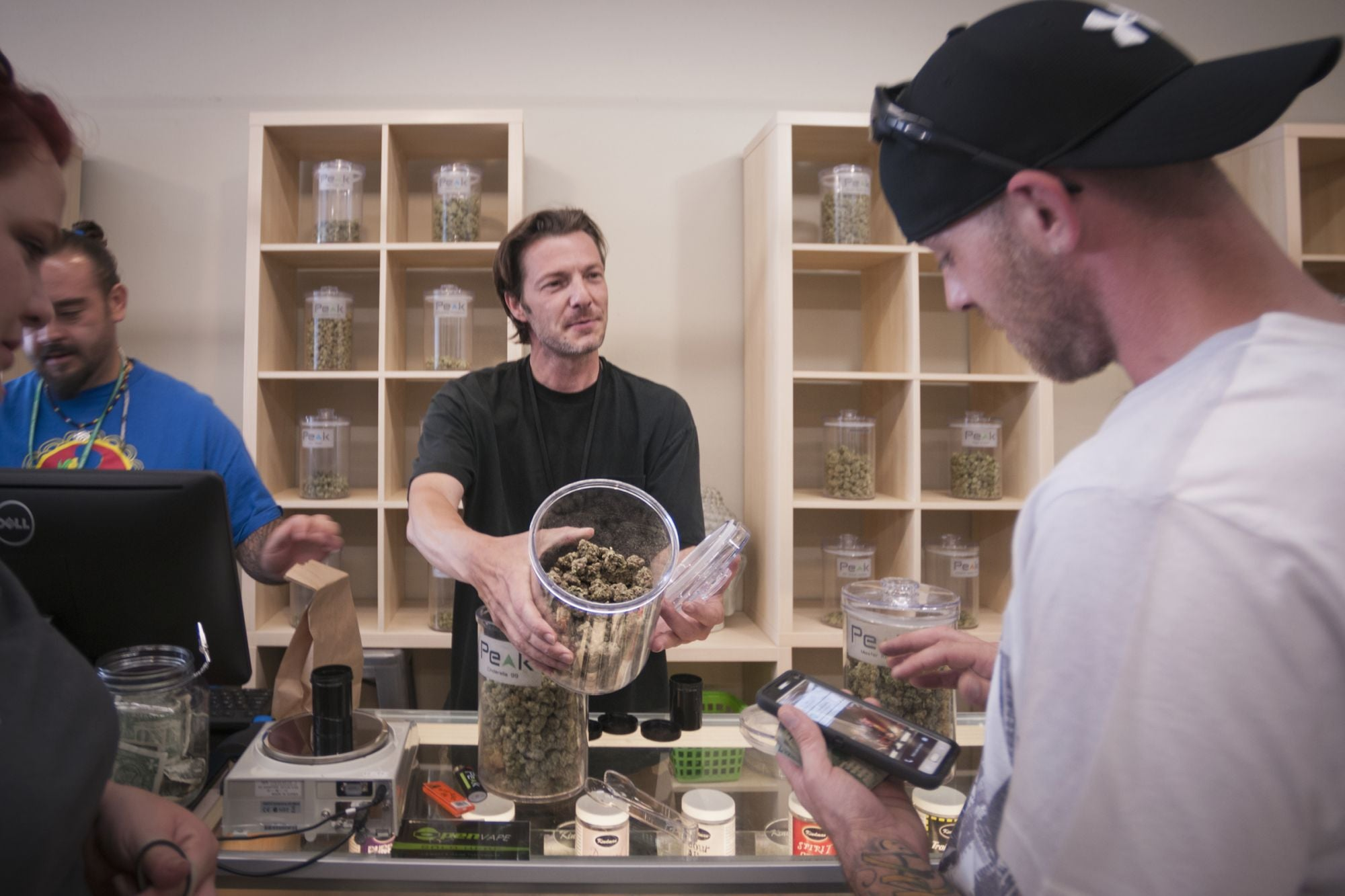 4 Proven Strategies For Marketing To The B2B Cannabis Industry