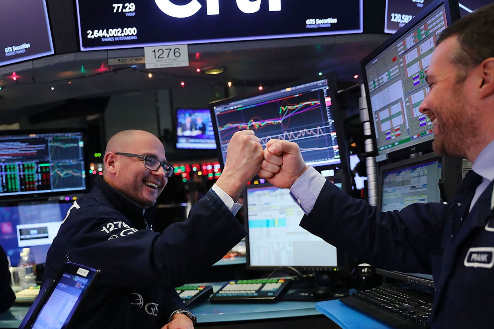 'A Real Step Forward': Stocks Climb After Lawmakers Agree on $2 Trillion Coronavirus Stimulus