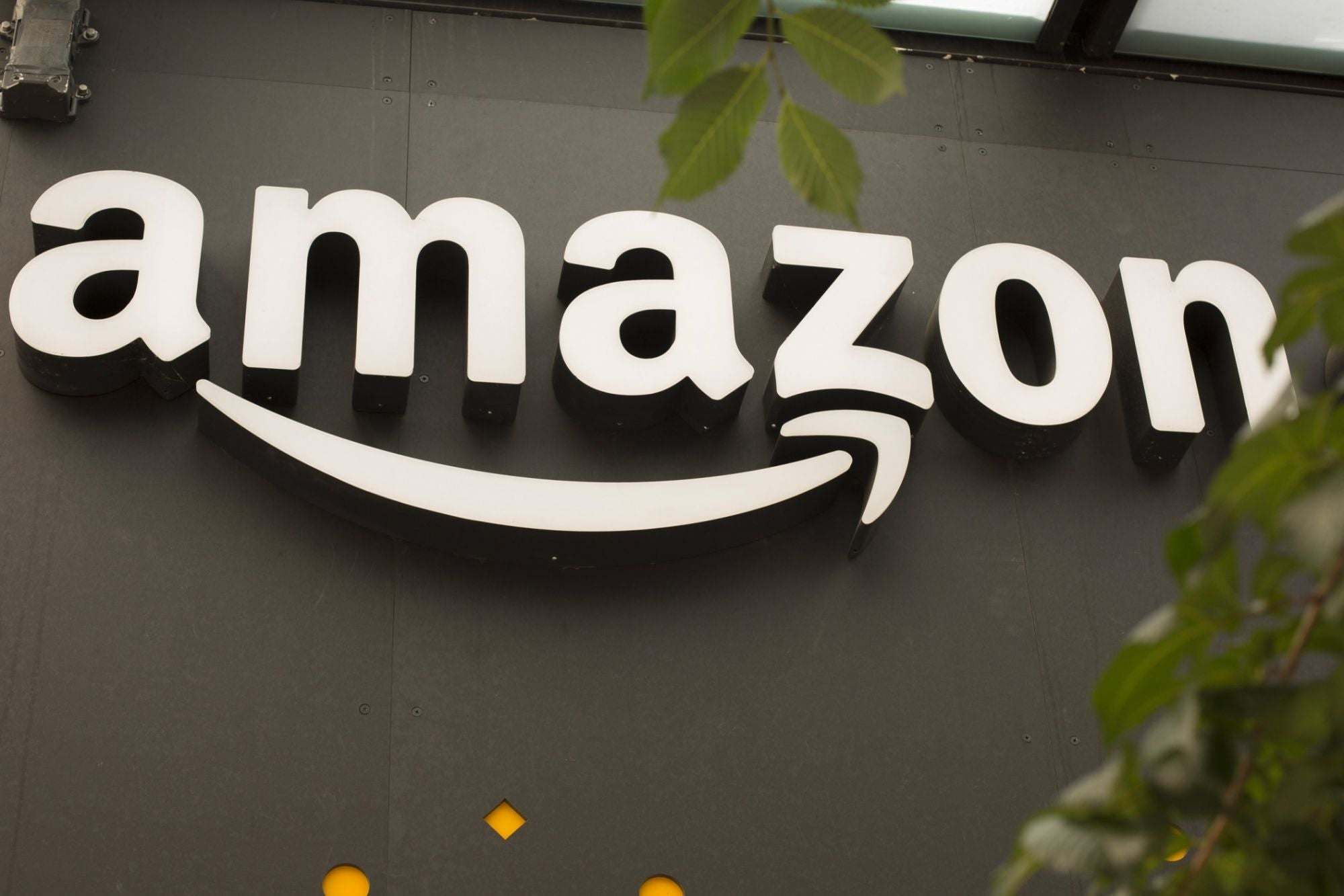 Amazon Tells Employees They Can Work From Home Until October