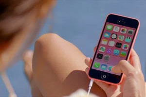 Apple Upgrades the iPhone With New 5S and 5C Models