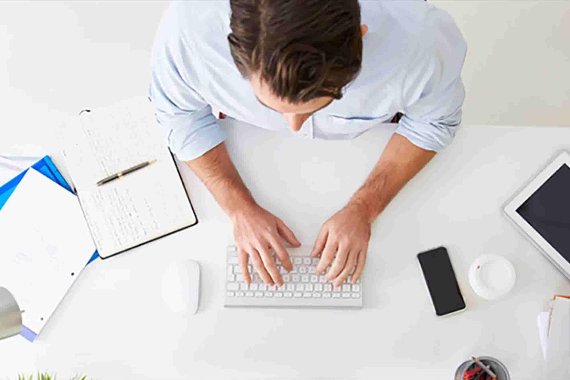 Cuida tu lenguaje corporal al hacer networking