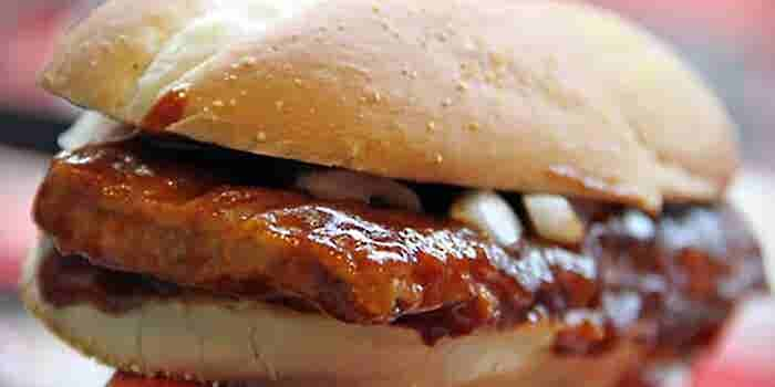 For McRib Fans, Search for the Sandwich Is Worth the Effort
