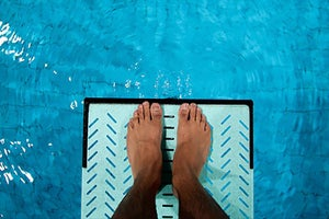 How to Test Whether You're Ready to Dive into Your Startup, Full Time