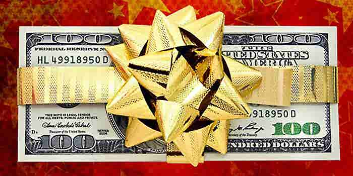 Small-Business Owners Cautious of Going Overboard on Holiday Gifts, Bonuses