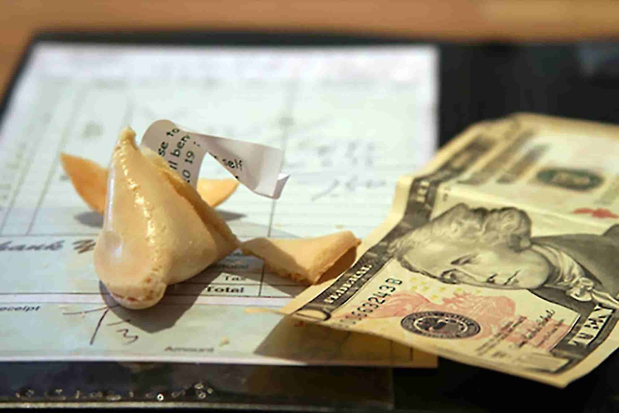 Tax Tips: 5 Rules for Deducting Business Meals