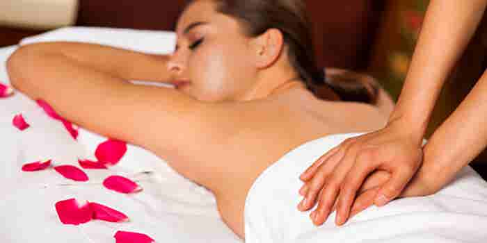 Sauna, terapias corporales y masajes