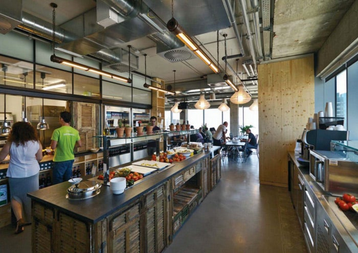 Office slides a draft beer bar check out these 6 for Most innovative office spaces