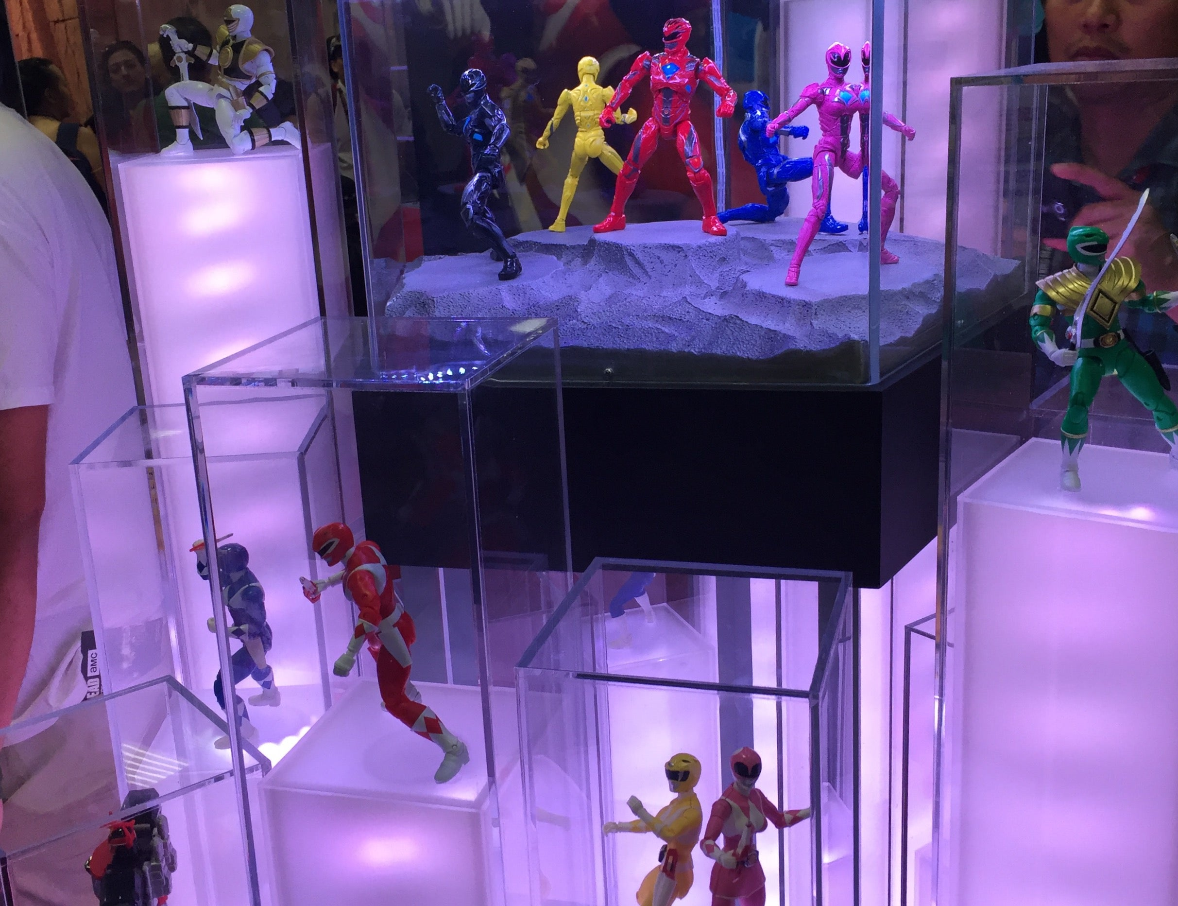 bandai america's power rangers figurines