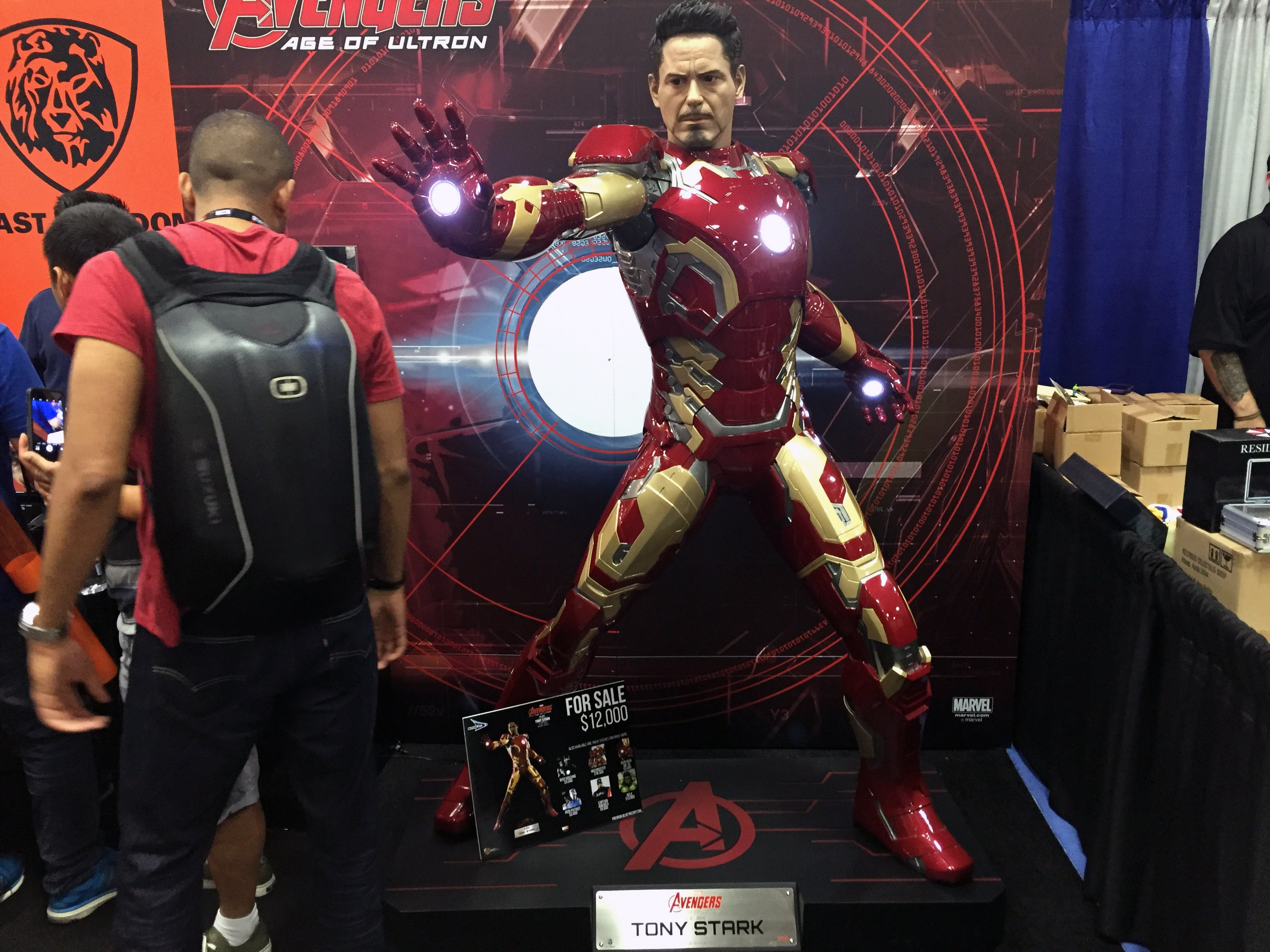 life-sized replica of tony stark, san diego comic con 2016