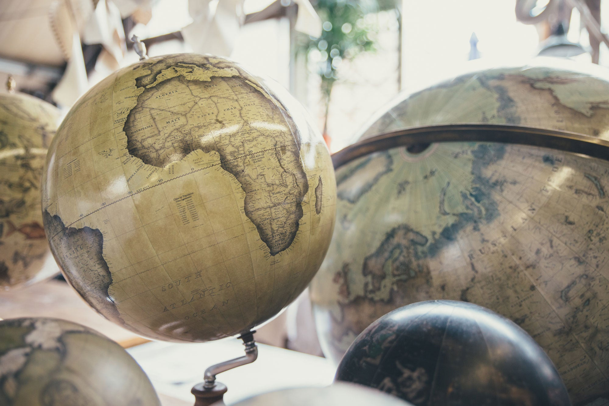 From 0,000 in Debt to  Million in Revenue: How One Man Built a Wildly Successful Globe-Making Business