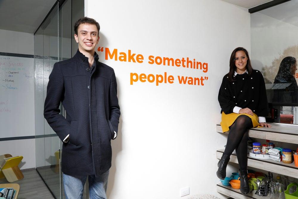 Max Holzhen y Pamela Valdés, fundadores de Beek