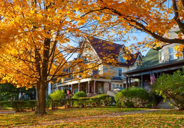 Mortgage Outlook: Falling Leaves, Rising Rates in October
