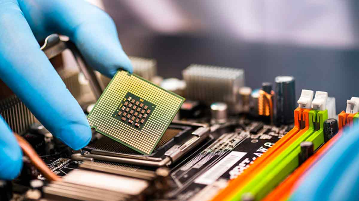 Finest Semiconductor Shares To Purchase Subsequent Week? 4 Making Headlines