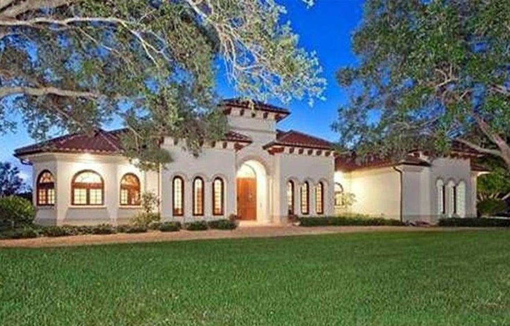 Bill Gates recently purchased an $8.7 million vacation pad in Florida. It's 4.8 acres and has a 20-stall horse barn for his daughter, who is a horseback rider.