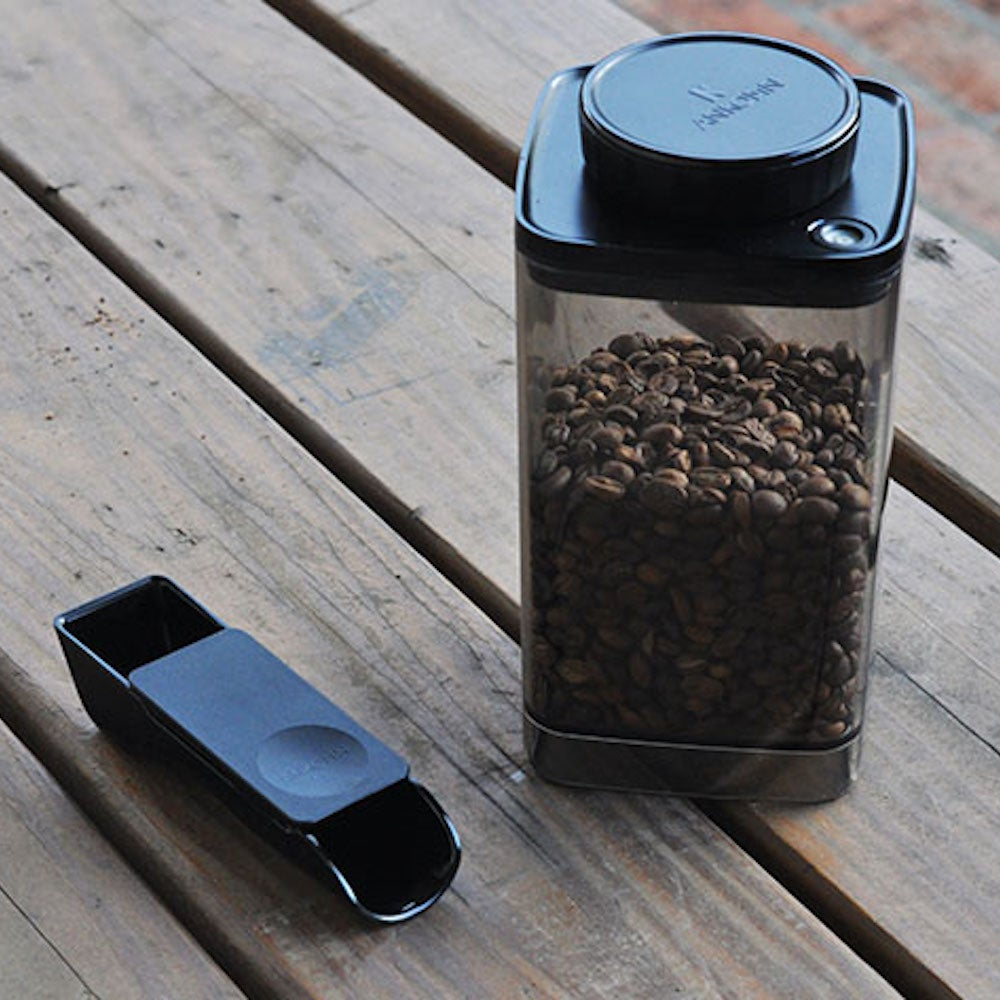Turn-N-Seal Food Vacuum Container with 2-in-1 Brew Scoop
