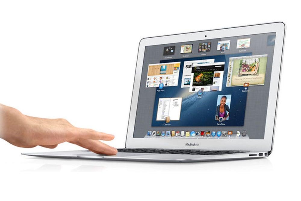 "Apple MacBook Air 13.3"" Core i5, 1.4GHz 4GB RAM 128GB SSD - Silver (Refurbished)"