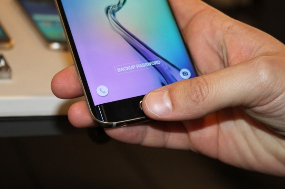 1. You can use the Galaxy S6 and S6 Edge to make payments at any store with a credit-card reader using Samsung Pay.