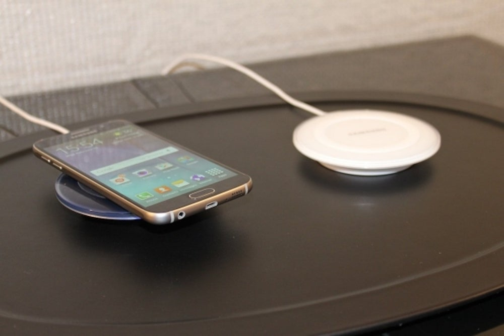 2. You can also charge Samsung's new phone wirelessly with a charging pad instead of plugging it in.