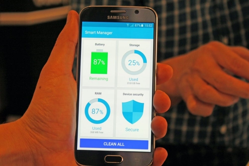 7. Both new Samsung phones come with a Smart Manager app that lets you clean up your phone with the press of a button.