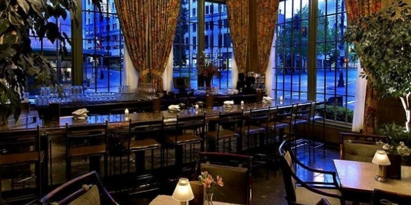 Oliver's Lounge at the Mayflower Park Hotel (Seattle, WA)