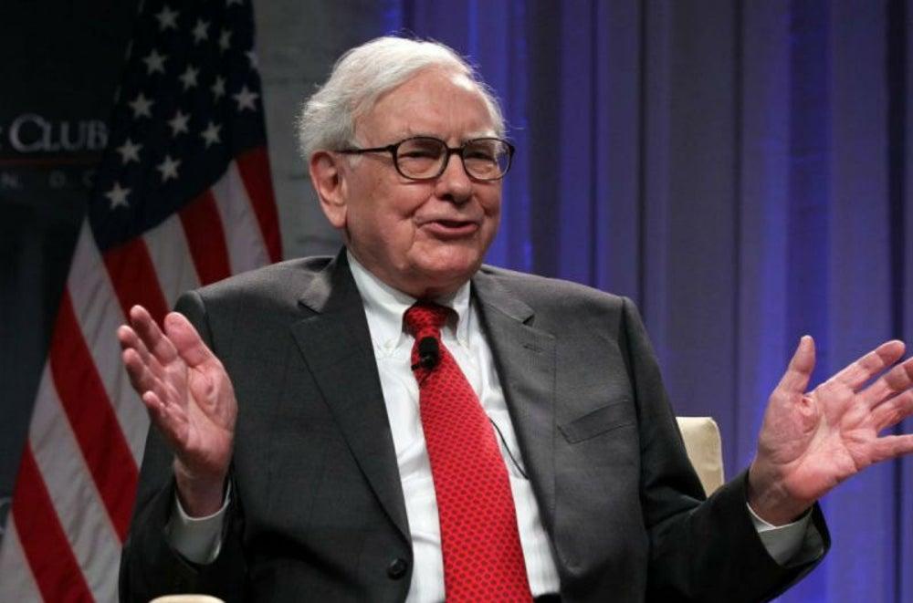 7. Warren Buffett era un voceador