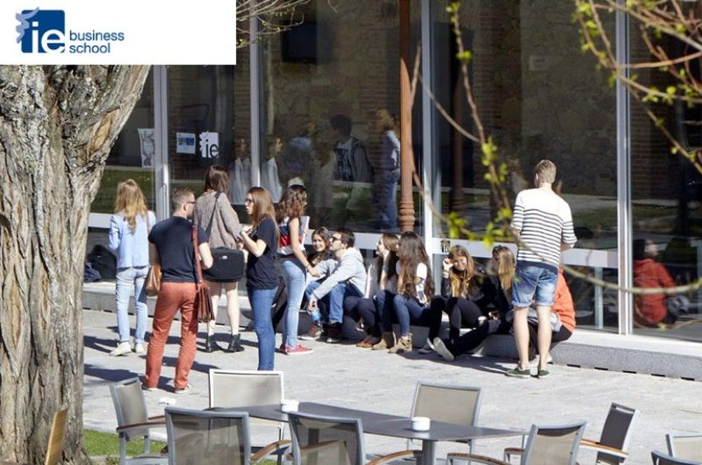 #4 IE University