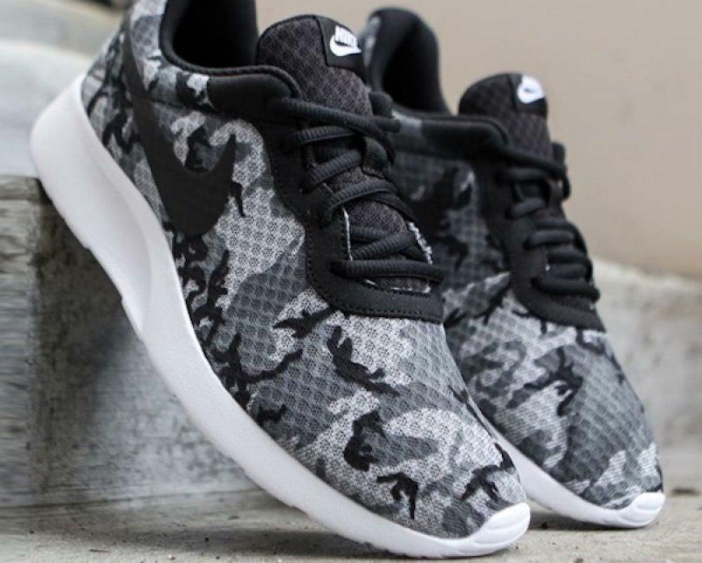 Nike Tanjun Print Sneaker